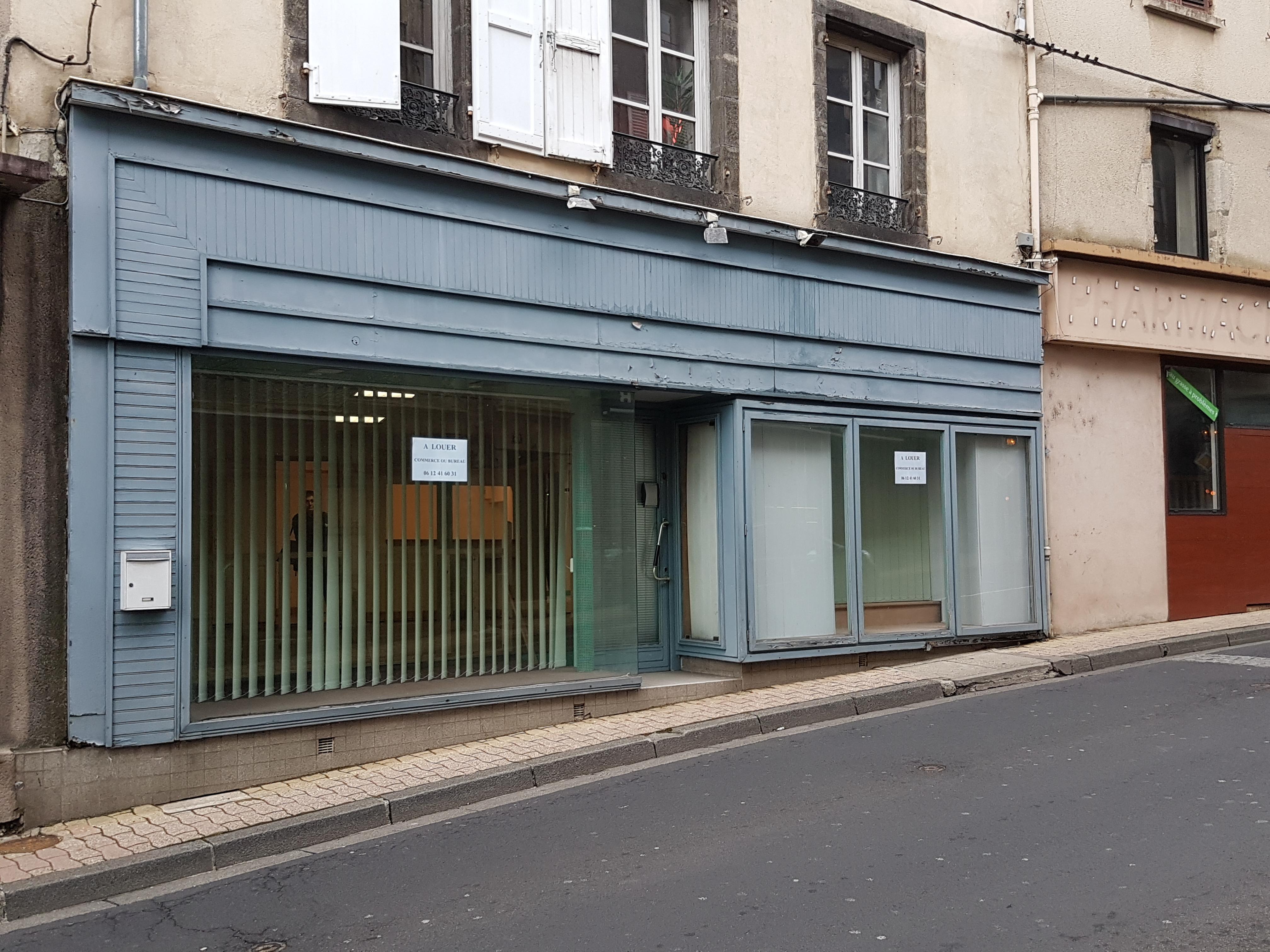 Local commercial ou bureaux / REF666