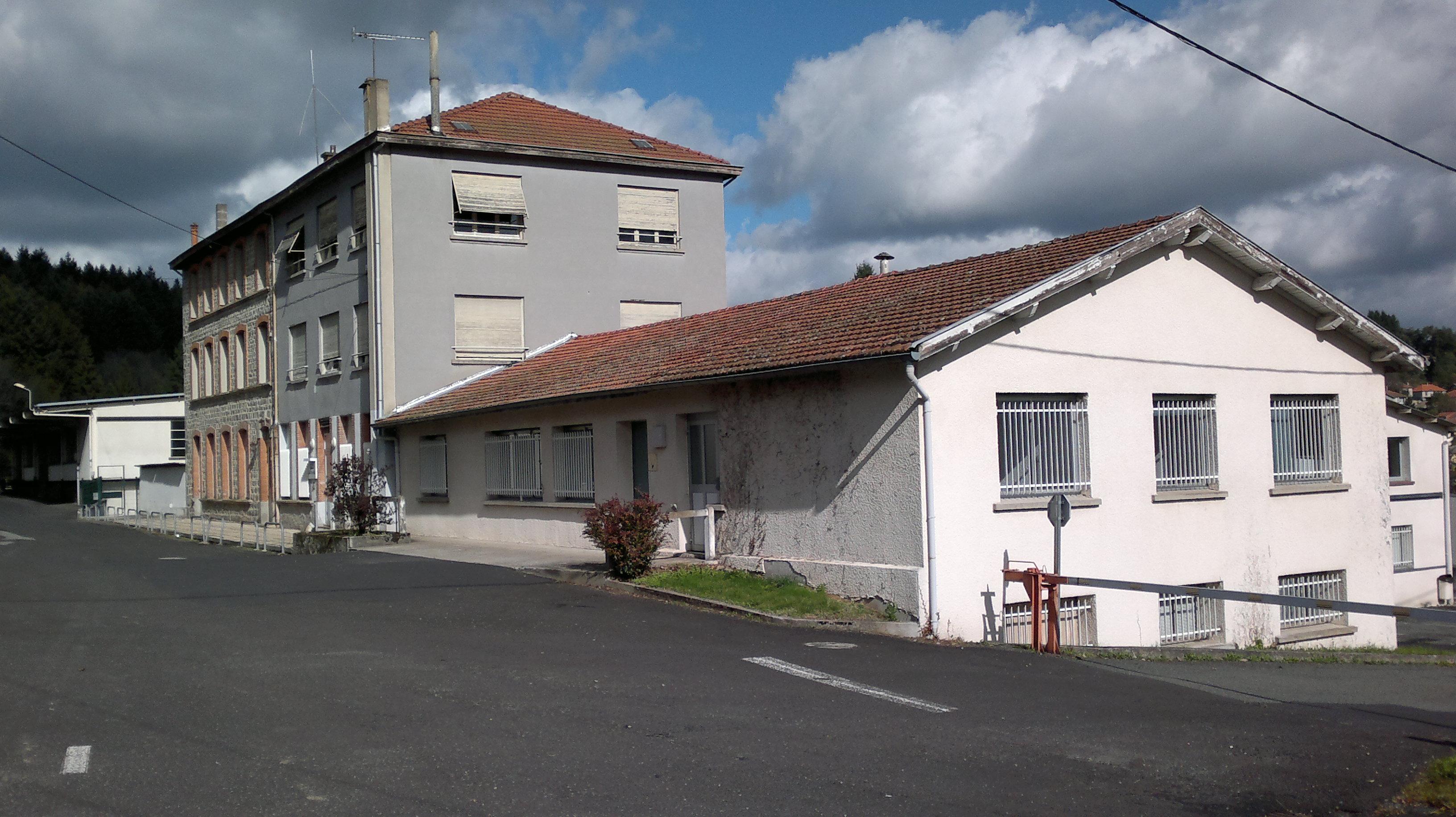 Surfaces de bureaux à louer sur la commune Monnerie le Montel / REF522