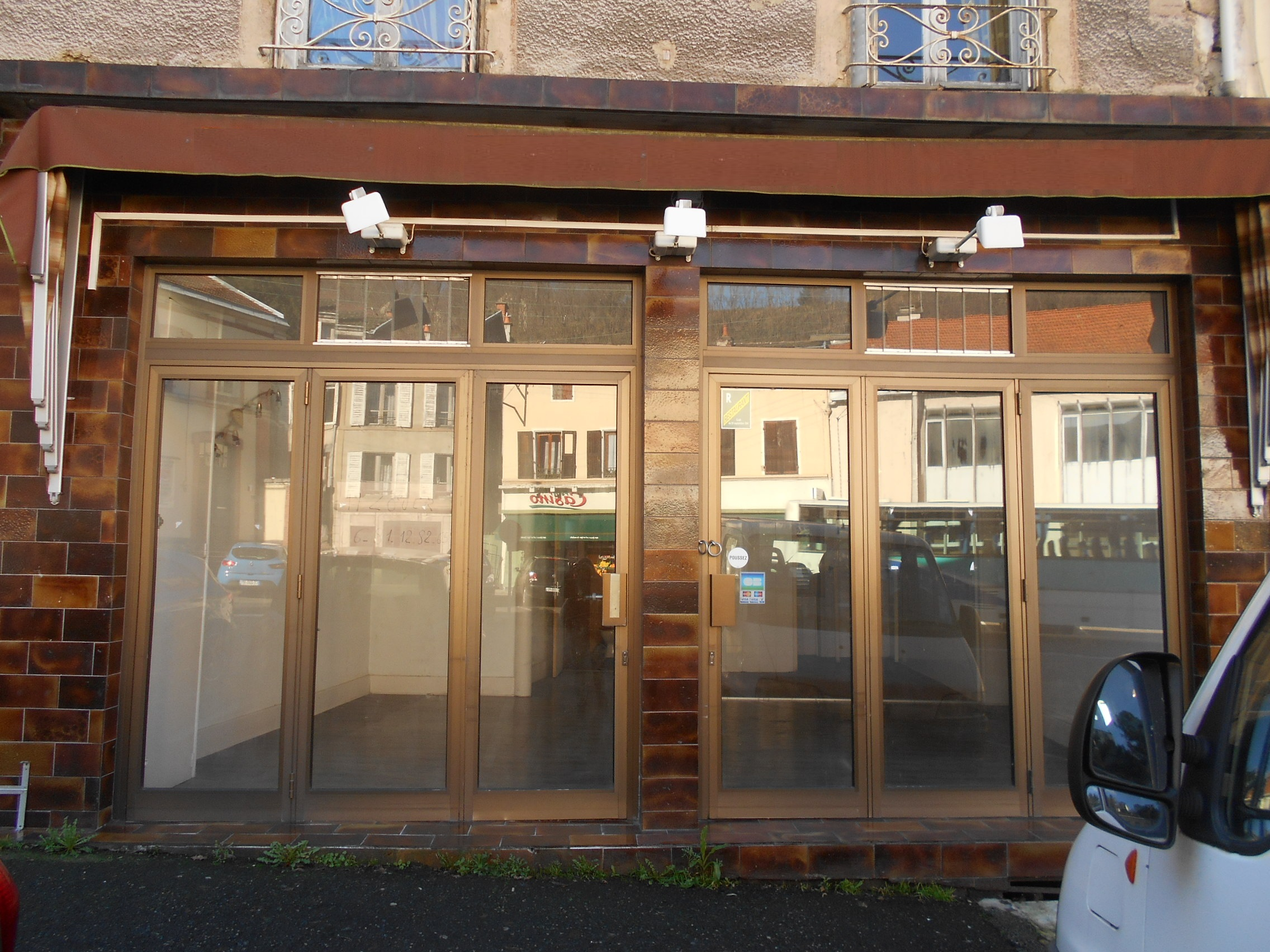 Local commercial 50 m² / REF674