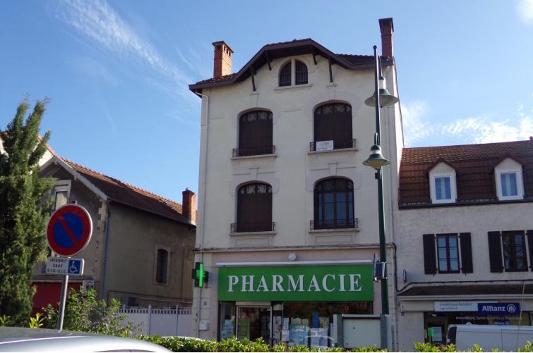 Immeuble avec local commercial- rue très commerçante / REF934
