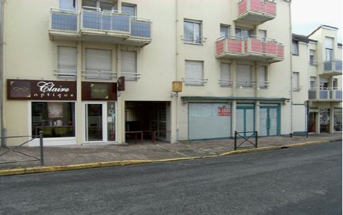 Local commercial 132 m² à vendre – / REF1008