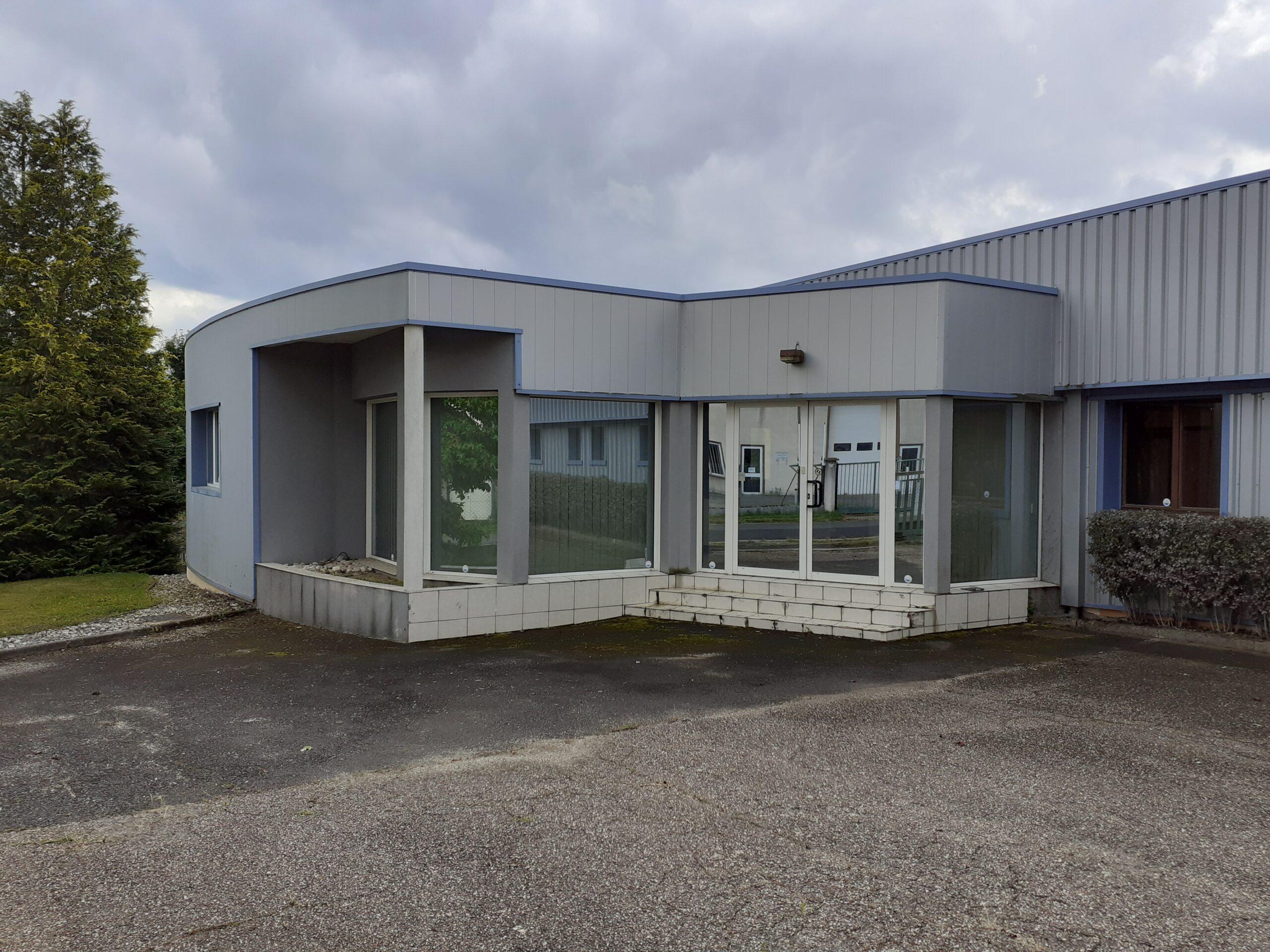Bâtiment industriel Saint Rémy sur Durolle / REF1783